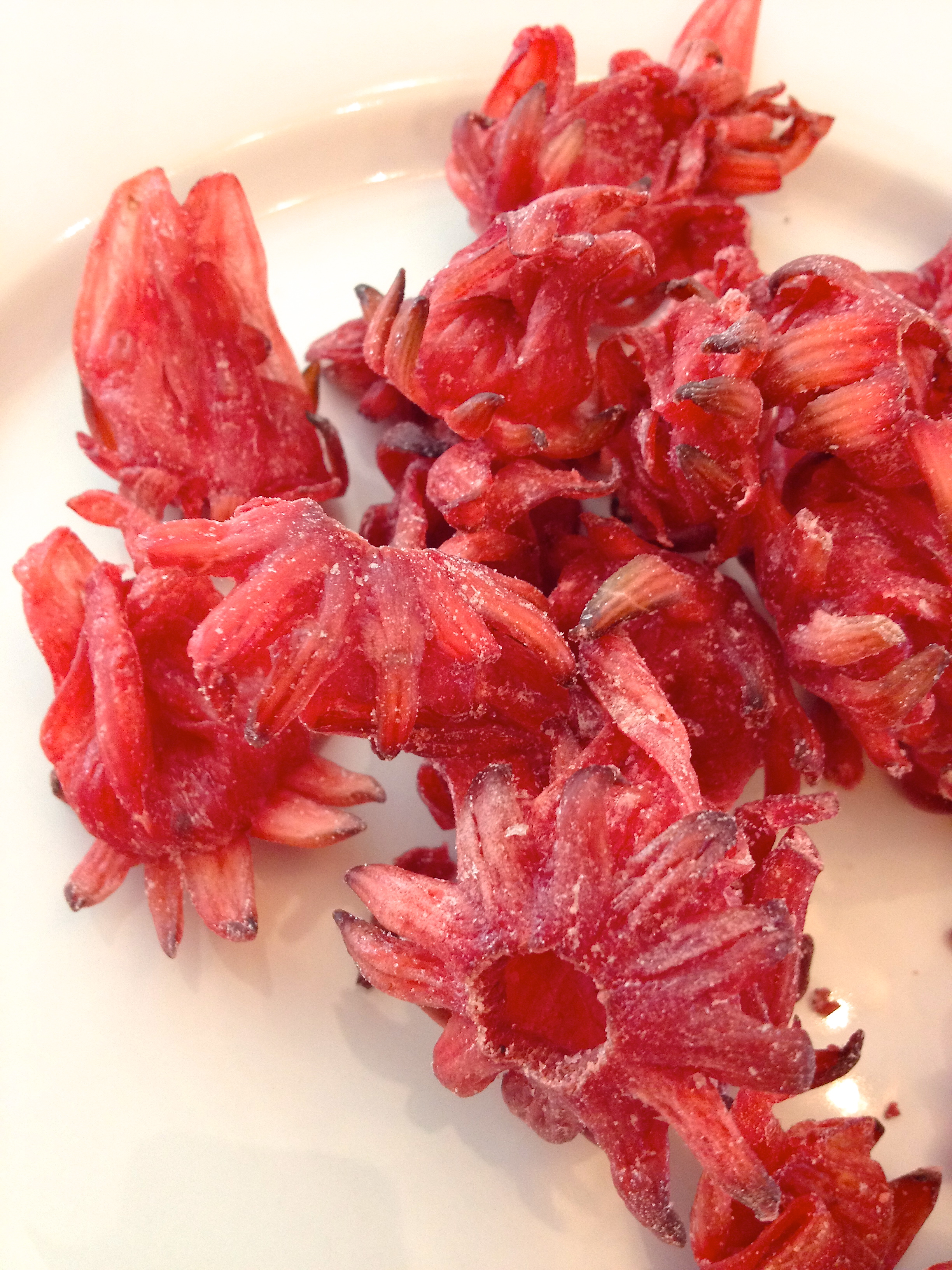 Dried hibiscus flowers make a tasty snack no really omnivorous delightfully sweet and slightly tart candied hibiscus izmirmasajfo Images